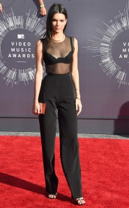 rs_634x1024-140824175043-634.Kendall-Jenner-jmd-082414